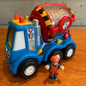 """WOW Toys """"Mix 'n' Fix Mike"""" Vehicle & Operator"""